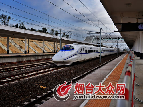 12月26日城铁正式运营 列车标配8车厢乘610人
