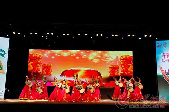 舞蹈《鼓韵中国梦》
