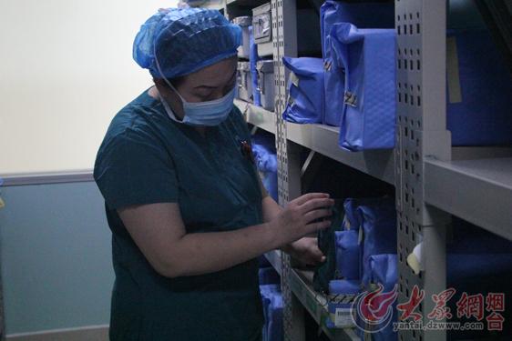 """手术室里的""""隐形天使""""_请给他们一些喝彩"""